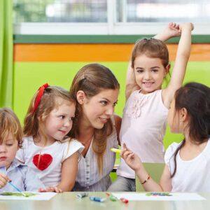 Cursar este máster en pedagogía te capacitará para ejercer en el sector de la educación infantil y juvenil